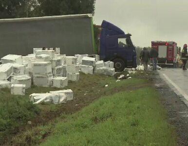 300 pralek wypadło z ciężarówki na drogę w okolicach Wadowic