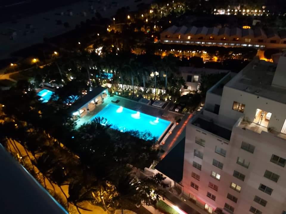 Widok z okna hotelowego Lecha Wałęsy