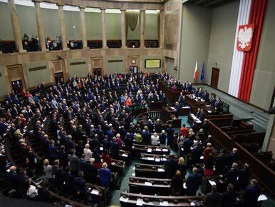 Sondaż: PiS liderem, SLD i Nowoczesna na granicy progu wyborczego