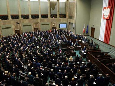 Sondaż CBOS. Wysoka przewaga PiS nad PO. Cztery partie w Sejmie