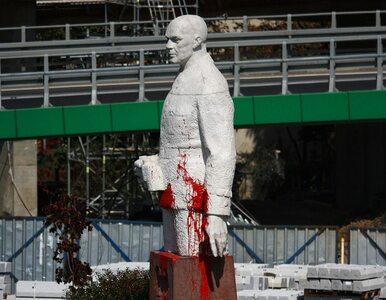 Zdewastowano pomnik gen. Berlinga. Policja złapała sprawców po krótkim...