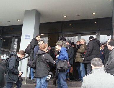 Kolejka przed czytelnią IPN. Dziennikarze czekają na udostępnienie...