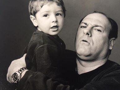"""Syn Jamesa Gandolfiniego zagra Tony'ego w prequelu """"Rodziny Soprano""""...."""