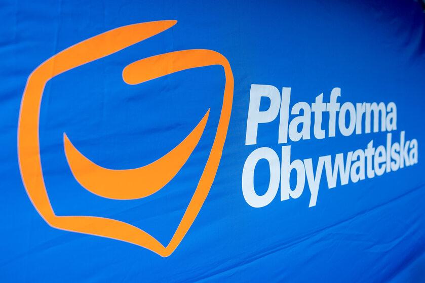 Logo PO, zdjęcie ilustracyjne