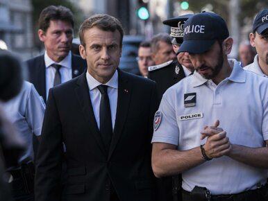 Francja w szoku. Ochroniarz Macrona przebrany w policyjny mundur bił...