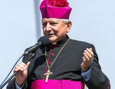 """Prokuratura odmówiła wszczęcia śledztwa ws. biskupa Janiaka. """"Nie ma..."""