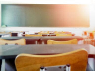 """""""Uwaga!"""" TVN: Nauczyciel wysyłał uczennicom zdjęcie członka i sprośne sms-y"""