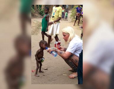 Przygarnęła umierającego 2-latka, to zdjęcie poruszyło świat. Tak...