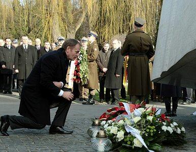 Tusk i Siemoniak oddali cześć ofiarom Smoleńska