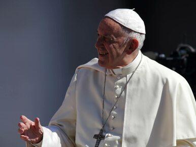Pocałunek papieża wyleczył umierające dziecko? Niektórzy mówią o cudzie