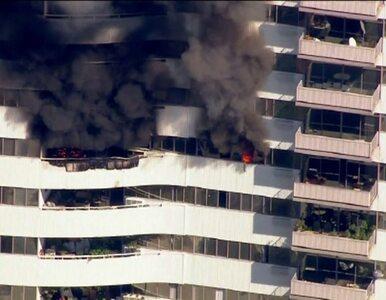 Pożar 25-piętrowego apartamentowca. Dziecko w krytycznym stanie