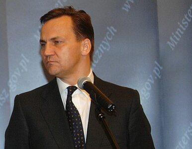 Polscy dyplomaci w szwedzkiej ambasadzie. Sikorski oszczędza
