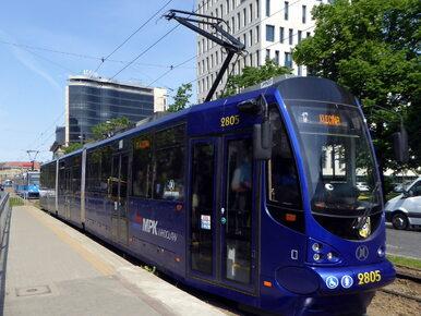 Wrocław. Zderzenie tramwaju z ciężarówką, kilkanaście osób rannych
