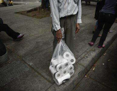Dlaczego w obliczu epidemii gromadzimy papier toaletowy?