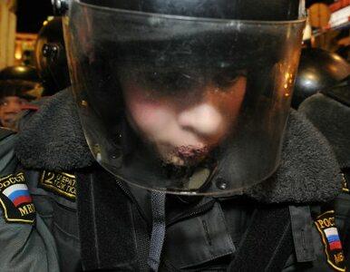 Dziesiątki śmigłowców nad Moskwą, wojsko na ulicach