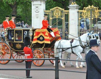Jubileusz Elżbiety II: królowa w powozie z 1881 roku, książę Karol jako...