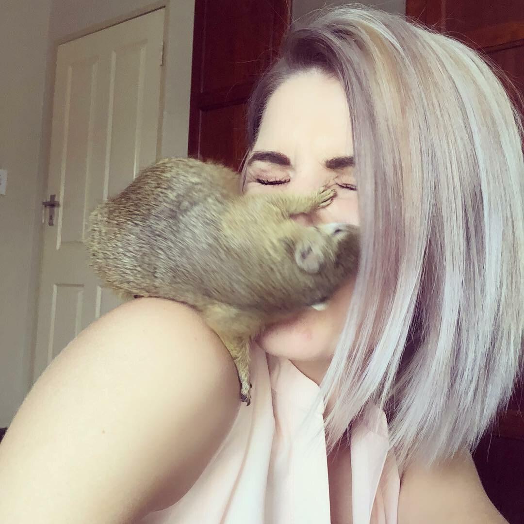 Simone i jej wiewiórka
