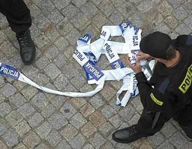 Łódź: udawali policjantów, okradli 77-latka