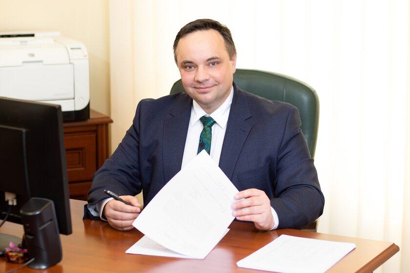 """dr Karol Bielski dyrektor Wojewódzkiej Stacji Pogotowia Ratunkowego i Transportu Sanitarnego """"Meditrans"""""""