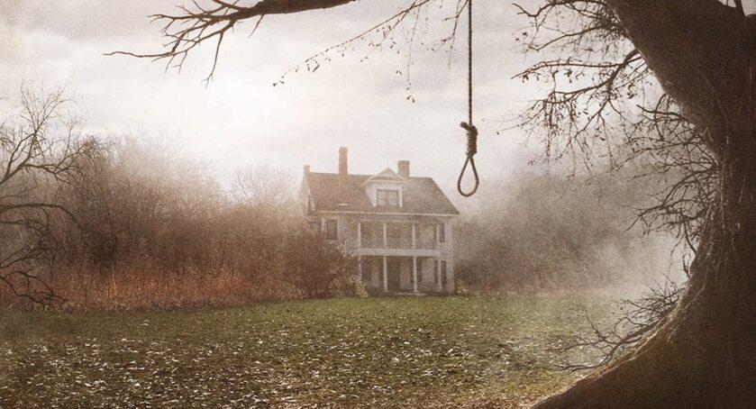 """Dom z filmu """"Obecność"""""""