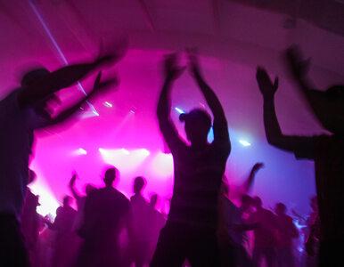 Włochy. Życie nocne młodzieży budzi obawy, że fala zakażeń może wrócić