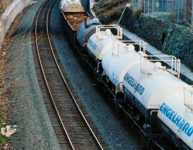 Wykoleił się pociąg z ropą naftową. Doszło do skażenia