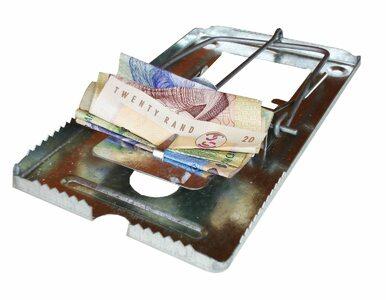 Co piąty Polak co miesiąc zastanawia się jak opłacić rachunki
