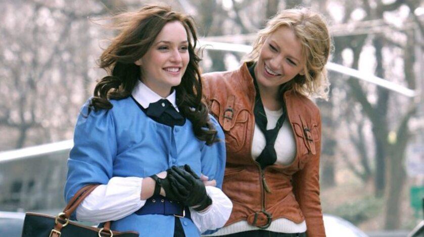 "Leighton Meester i Blake Lively jako Blair i Serena w serialu ""Plotkara"""