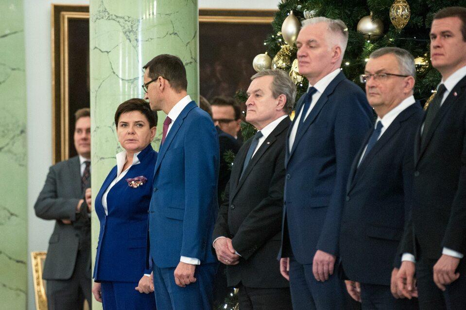 Jarosław Gowin wśród ministrów w Pałacu Prezydenckim