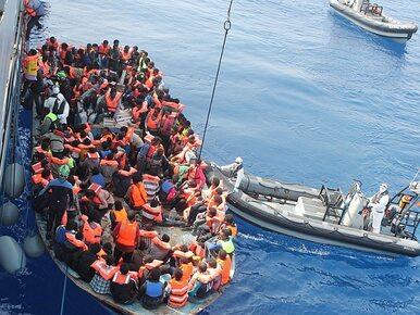 Statek z 40 uchodźcami dryfuje po morzu. Państwa odmawiają im wstępu