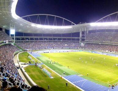 Nowy stadion zamknięty przez problemy z dachem