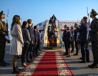 Prezydent Duda z wizytą na Ukrainie: Ukraińcy i Polacy walczyli ramię w...