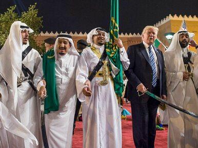 Donald Trump i saudyjski taniec z szablami. Jak poradził sobie prezydent?