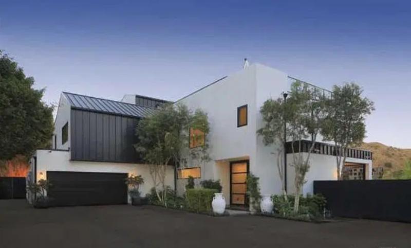 Sprzedany przez Demi Lovato dom na Hollywood Hills